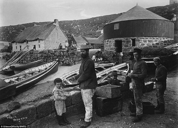 On the slipway at Sennen c1900 (©Penlee House Gallery & Museum, Penzance / Gibson Archive  Reproduced by kind permission)