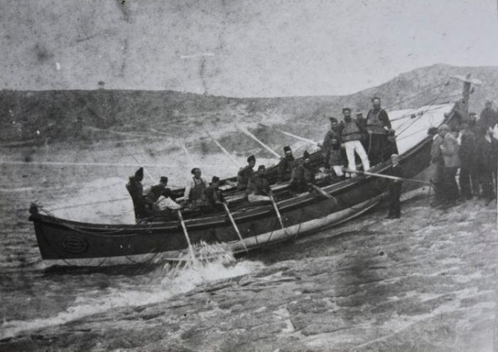 Sennen lifeboat launching c1900 (courtesy Morrab Library Photo Archive)