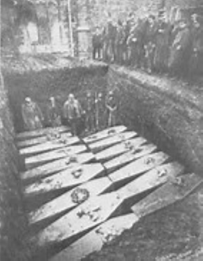 The mass grave of the victims of the Mohecan, St Keverne church yard (https://en.wikipedia.org/wiki/File:Ss_mohegan_burial.jpg)