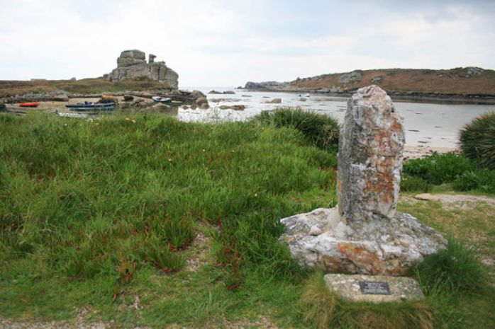 Cloudesley Shovell's memorial at Porthellick, St Mary's (© David Lally - geograph.org.uk/p/910562)