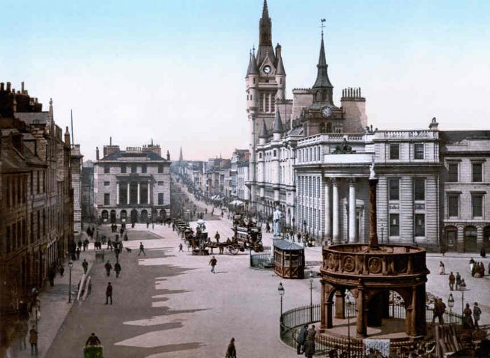Aberdeen, Castle Gate and Union Street in about 1900 (Wiki Commons)