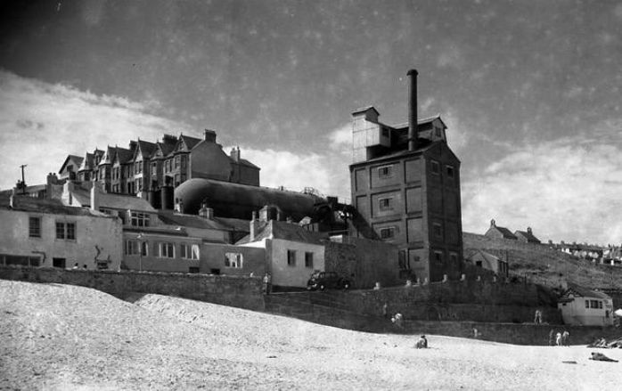 St Ives gas works c1938, courtesy of St Ives Archive