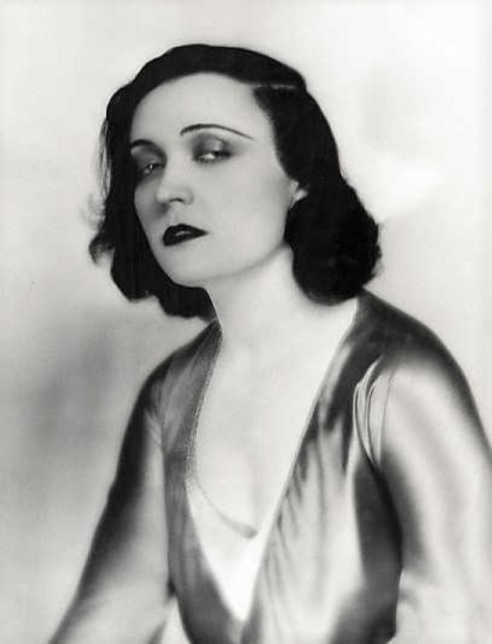 Pola Negri, in the audience for the first Penzance talkie (source, Wikipedia)