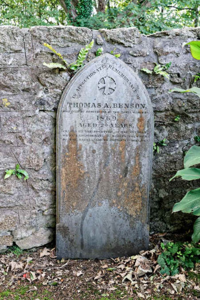 Tombstone of Thomas Benson in Penzance Cemetery (photo: Linda Camidge September 2018)